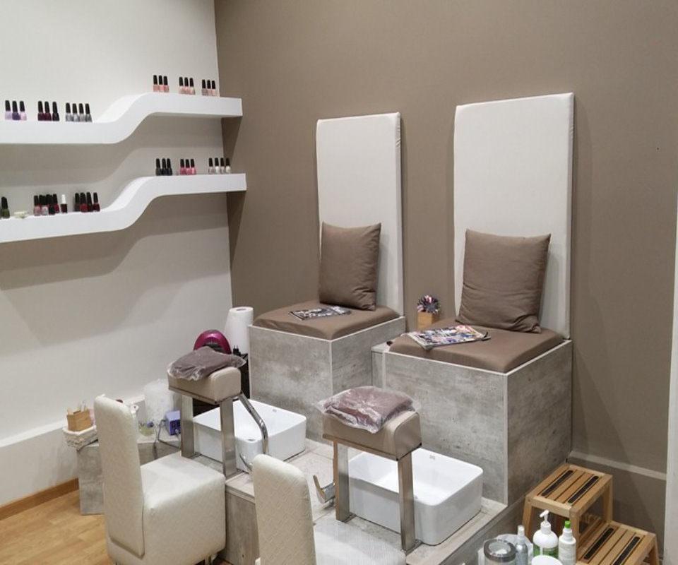 Magnifique Nails Spa Massage