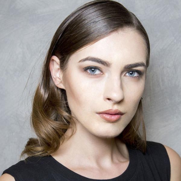 lightening-hair-for-summer-brunette-600x600