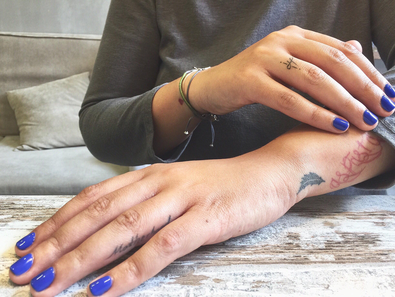 νύχια nailhood 1