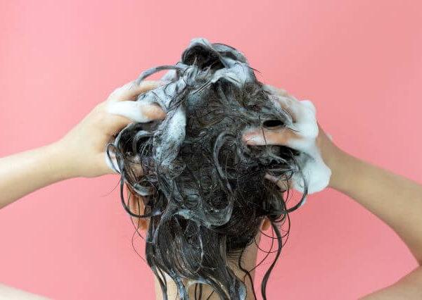 Συμβουλές για σωστό λούσιμο μαλλιών